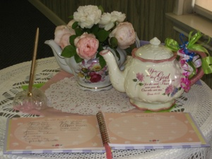bridal shower tea table